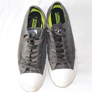 Chuck Taylor II grey and white converse